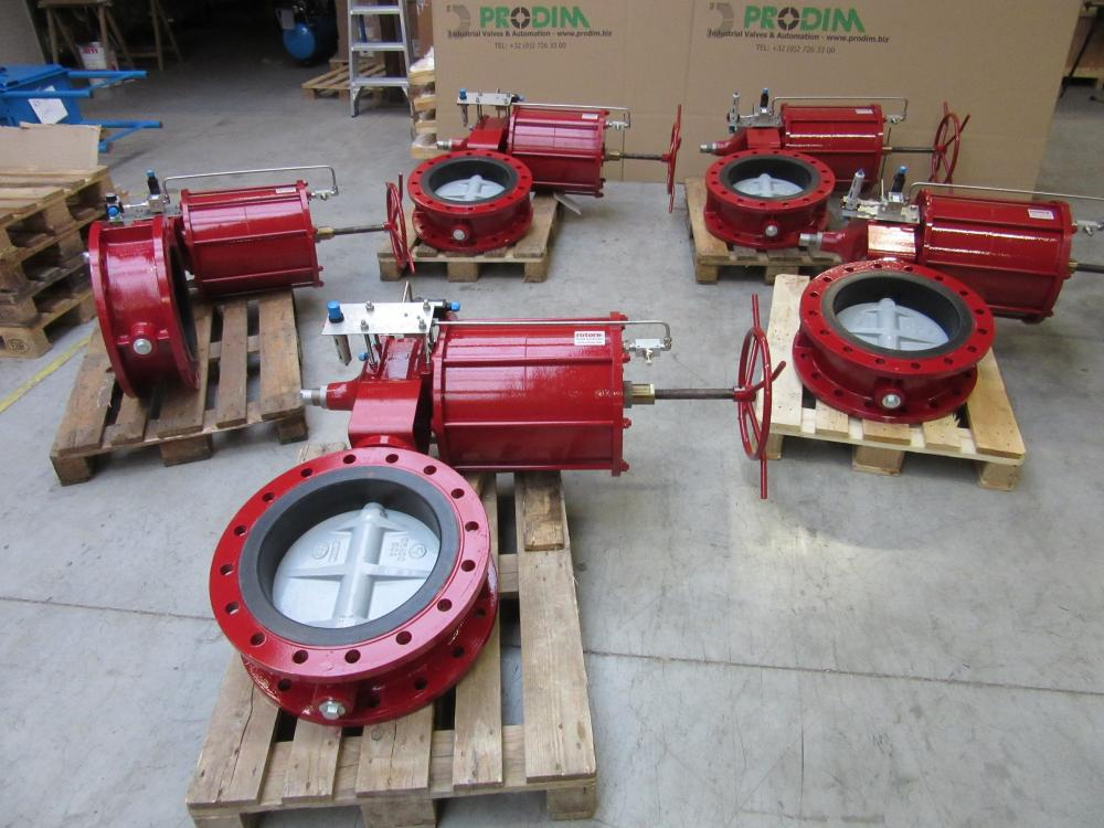 Lot of double flanged butterfly valves DN400 & DN200 PN16